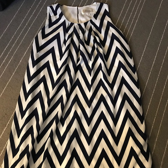 Francesca's Collections Dresses & Skirts - Navy and white chevron dress